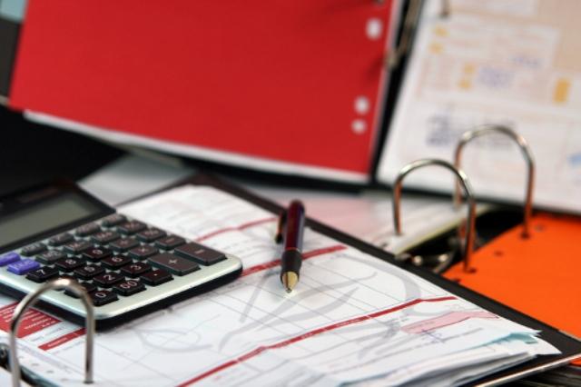 Apple требуются главный бухгалтер и менеджеры в Москве