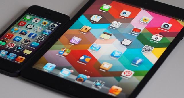 iPad и iPhone – самые популярные гаджеты у американских подростков