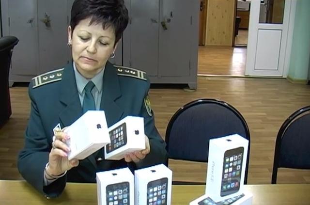 В Брянске конфисковали крупную партию iPhone 5s