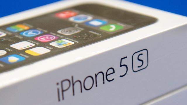 Россияне с энтузиазмом встретили старт продаж новых iPhone