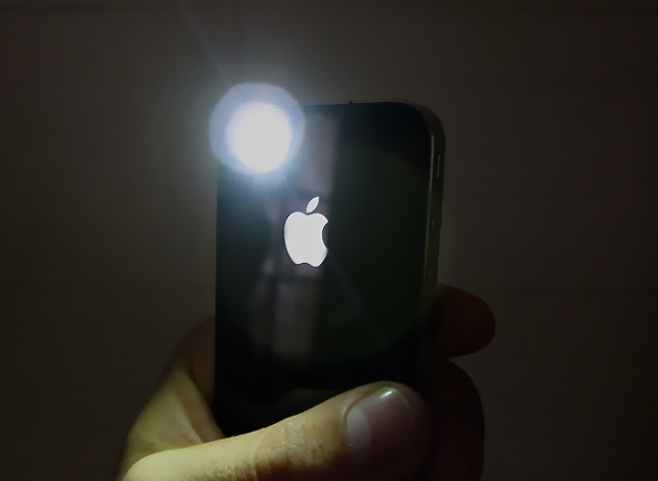 iphone4flash