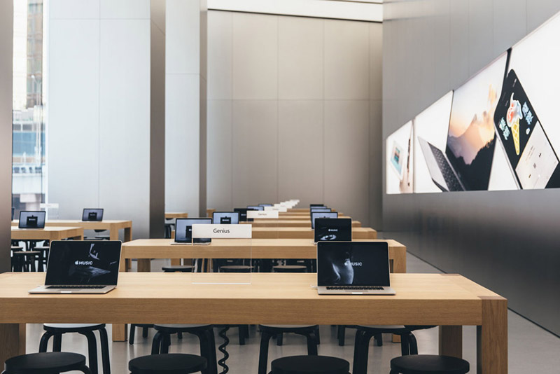 apple-store-canton-road-open-3