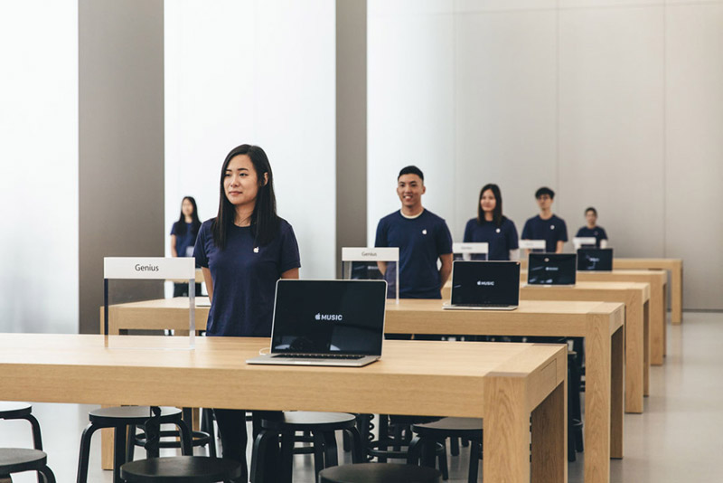 apple-store-canton-road-open-4