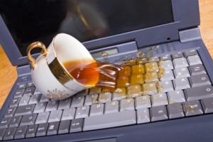 """""""Сухой закон"""" у ноутбуков. Что делать, если залит компьютер"""