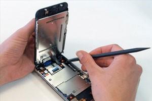 Где можно починить айфон?