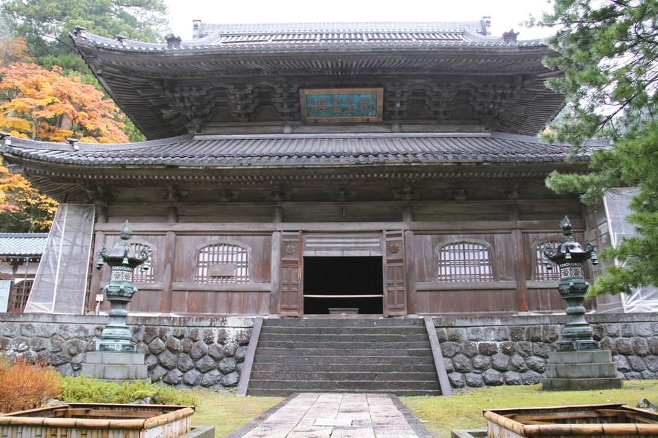 Japanese-Buddhist-Temple-Eiheiji-101313999CA30C8D