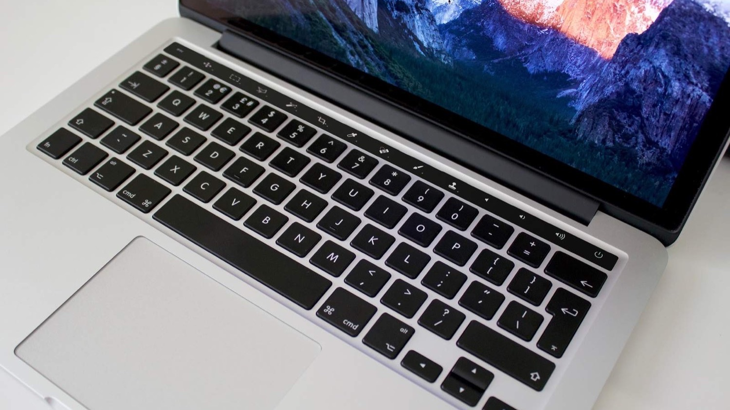 macbook_oled