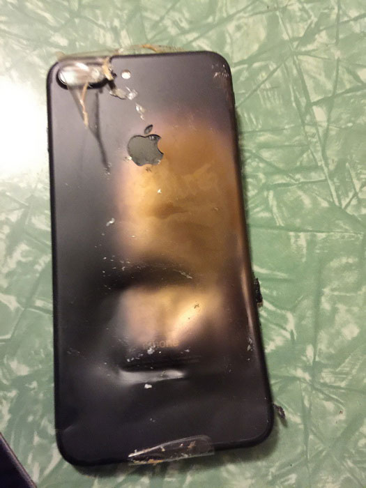 iPhone-7-blows-3