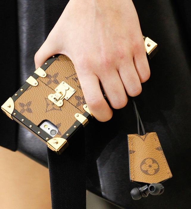 Louis Vuitton выпустил защитные чехлы для iPhone 7 иiPhone 7 Plus