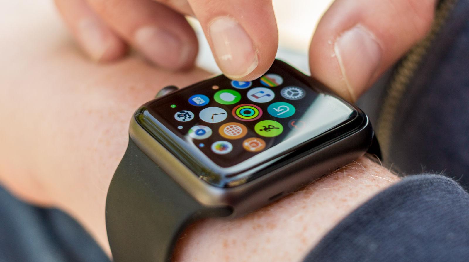 Чтобы удалить неиспользуемые циферблаты с iphone, то в приложении apple watch идем на вкладку