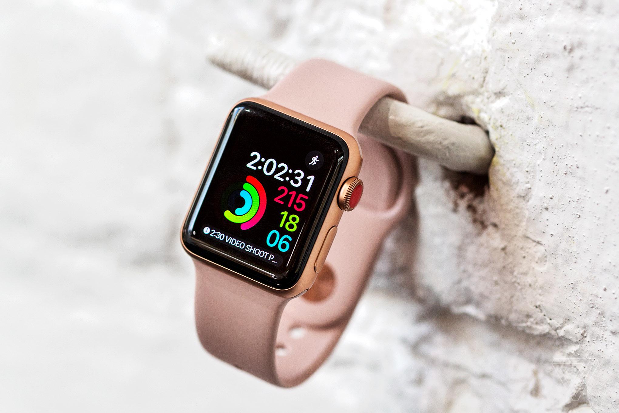 NIKE и Apple выпустили эксклюзивную серию часов Midnight For Apple Watch Series 3