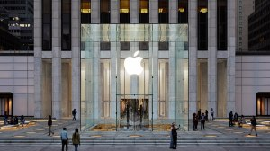 Apple-Store-fifth-avenue-new-york-redesign-exterior-09191934