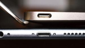 Stalo-izvestno-kogda-iz-iPhone-propadet-razem-Lightning-2