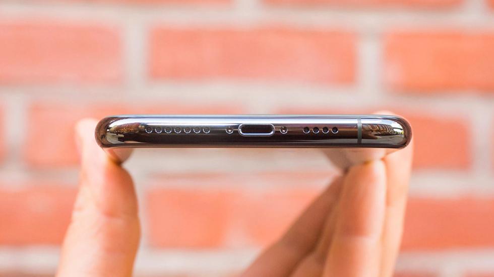 Apple-raskritikovala-vozmozhnyy-zapret-razema-Lightning-v-iPhone-1