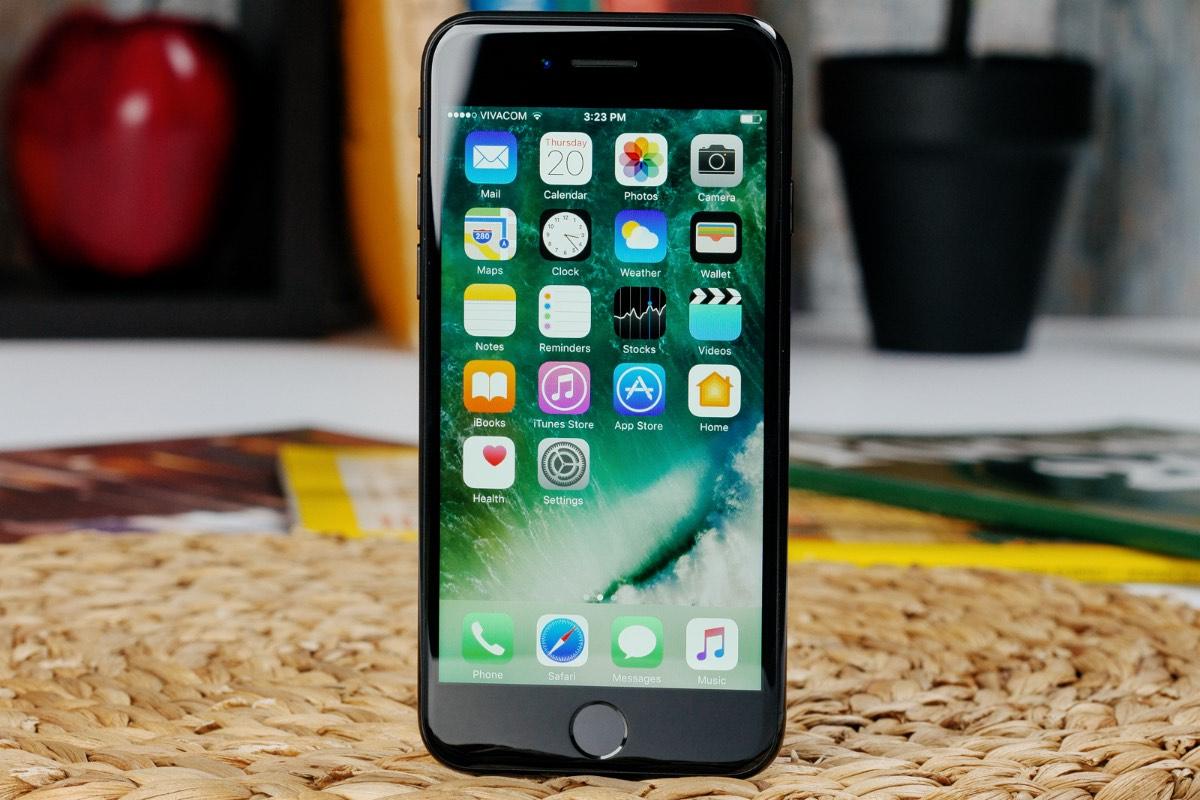 Apple-iPhone-7-913123