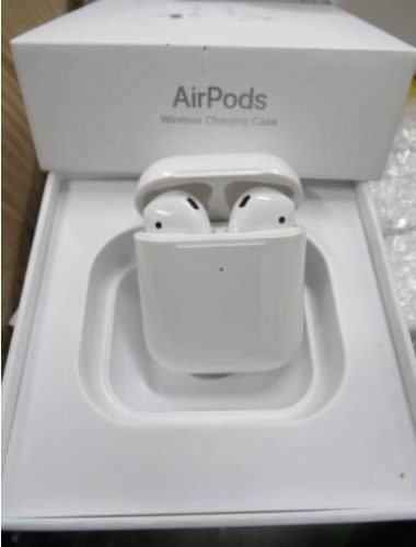 Counterfeit-Airpods-380x500