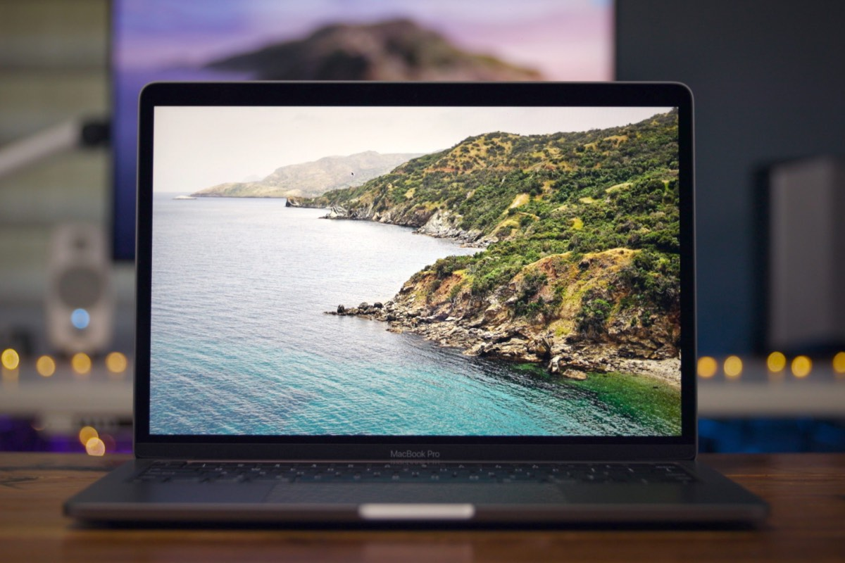 MacBook-Pro-2020-Review-Retina-display-up-close35