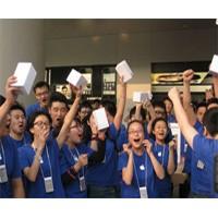 iPhone 4 в магазинах Китая были распроданы за 10 часов