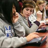 Американская школа заменила учебники на iPad