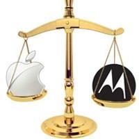 Apple выиграла в суде у  Motorola