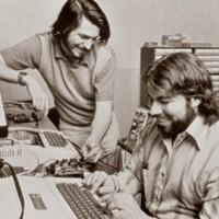 Исполнилось 37 лет союзу Стива Джобса и Стива Возняка