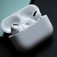 https-hypebeast.com-image-2020-02-apple-airpods-pro-lite-release-rumor-info-001