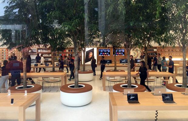 Apple-Store-Brussels-inside-nr2