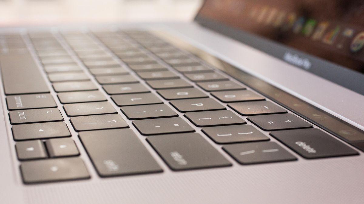 apple_macbook_pro_15_inch_2017_11