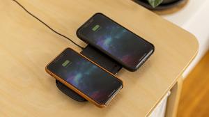 Vse-modeli-iPhone-12-poluchat-uskorennuyu-besprovodnuyu-zaryadku-1